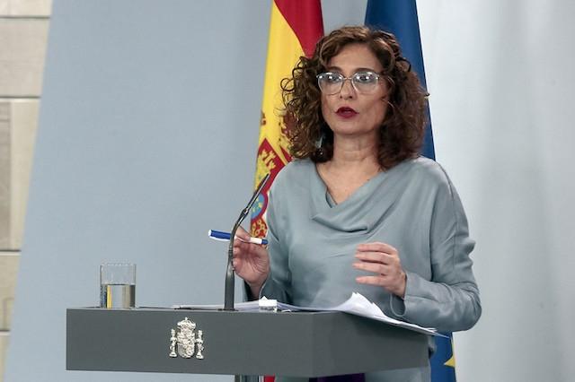 Ingen ifrågasätter att den spanska ekonomin kommer att drabbas hårt av coronakrisen, men Spaniens budgetminister María Jesús Montero finner IMF:S rapport vara överdrivet pessimistisk.