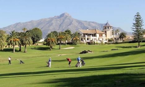 Marbellas borgmästare Ángeles Muñoz betonar att golf är en sport där det ej är något problem att hålla social distansering.