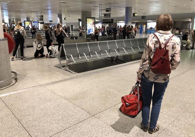 I teorin råder inreseförbud i Spanien för dem som inte har sin fasta bostad här och som får lov att återvända hem. I praktiken vittnar många av Sydkustens läsare om total brist på kontroll på flygplatsen i Málaga. ARKIVBILD