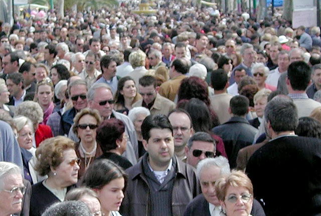 Flockimmuniteten ser ej ut att bli verklighet i Spanien på lång tid, vilket innebär att det också kommer att ta tid innan vi åter ser stora folksamlingar.