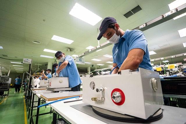 """Om det kommer en ny peak eller andra våg av coronaviruset, är Andalusien förberett. Det menar regionalmyndigheten som stöttat projektet """"Andalucía Respira"""" – regionens första egna respirator som gått från idé till tillverkning på Fujitsus fabrik i Málaga, på mindre än en månad. Foto: Junta de Andalucía"""