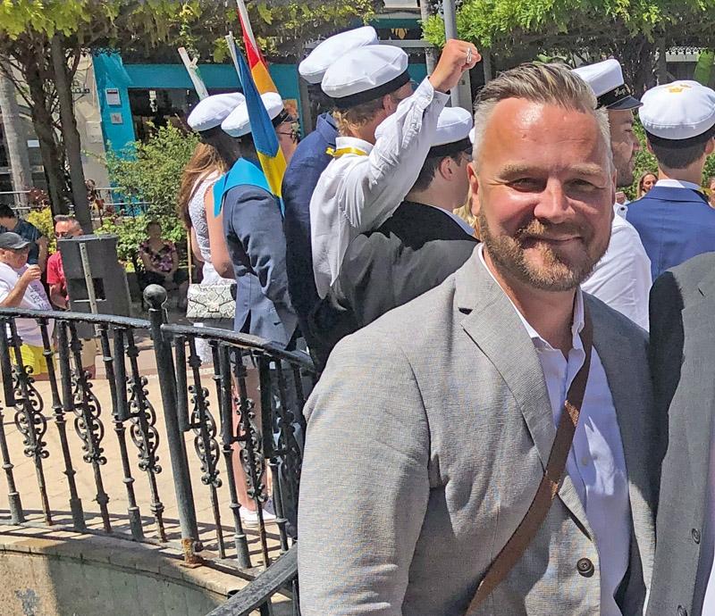 """""""Vi följer gällande läroplan och generellt har omställningen fungerat bra"""", säger Mattias Kerttu, rektor på Svenska skolan i Fuengirola."""