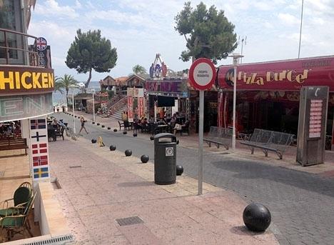 Turistorter som Magaluf, på Mallorca, kan bli de första i Spanien som åter får ta emot turister.