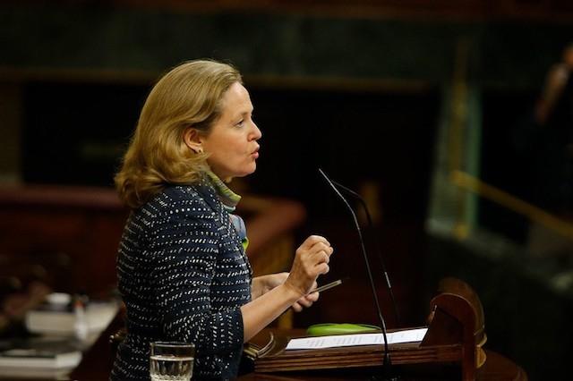 """Finansministern Nadia Calviño säger att en total upprivning av arbetsmarknadsreformen vore """"absurt och kontraproduktivt"""". Foto: PSOE"""