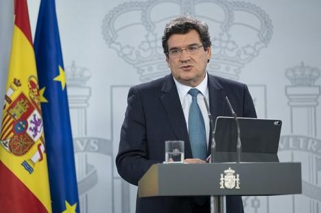 Ministern för Försäkringskassan José Luís Escrivá är en av upphovsmakarna till medborgarlönen.