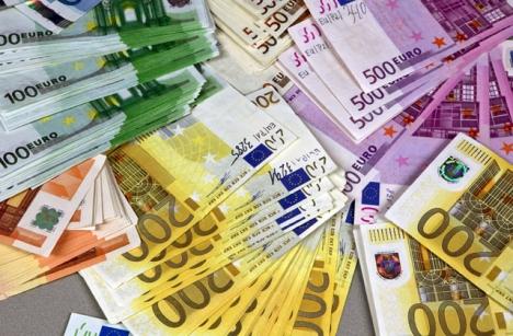Det senaste förslaget om att sänka gränsen för kontantbetalningar till tusen euro röstades ned. Foto: Europol