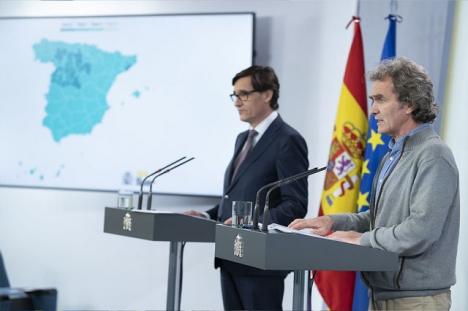 Hälsovårdsministern Salvador Illa och smittskyddsexperten Fernando Simón kastade på fredagen nytt ljus över coronastatistiken.