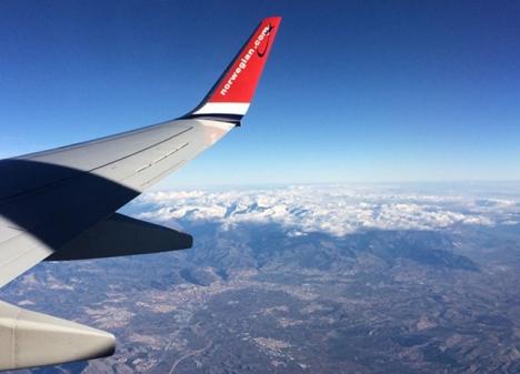 Framtidsscenariot för flygpassagerare blir fulla flighter i gamla flygplan, med färre bekvämligheter. Trösten är att biljettpriserna sänks för att locka tillbaka oroliga resenärer.