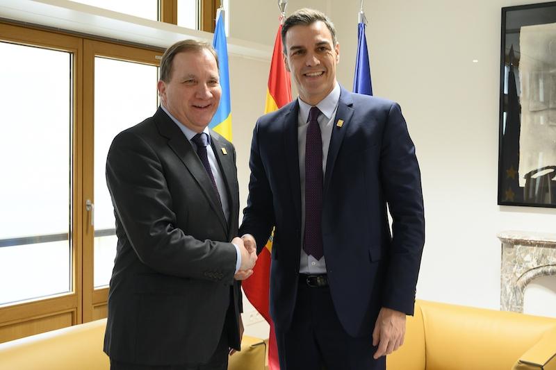 Pedro Sánchez hoppas mjuka upp Sveriges skeptiska hållning till EU:s räddningspaket, genom att boka in ett personligt möte med Stefan Löfven.