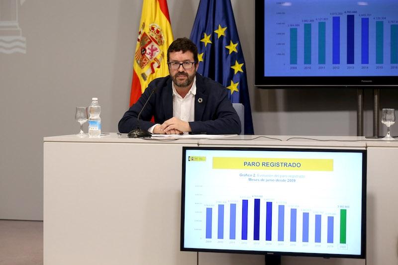 Statssekreteraren för arbetsmarknadsdepartementet, Joaquín Pérez Rey, på presskonferensen 2 juli.