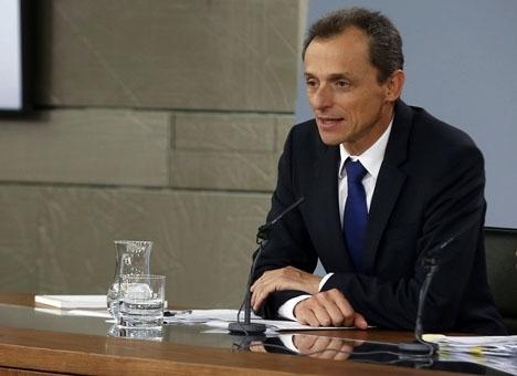 Forskningsministern Pedro Duque uppger att fem av de vaccinprojekt som utarbetas i Spanien mot Covid-19 är långt framskridna.
