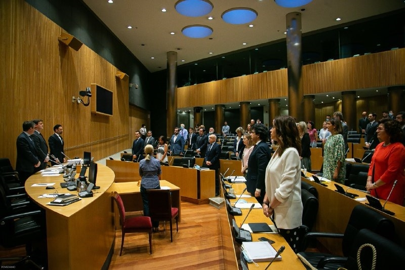 Riksparlamentet har röstat igenom en krisplan med mer än 500 olika åtgärder inom olika områden. Foto: Congreso de los Diputados