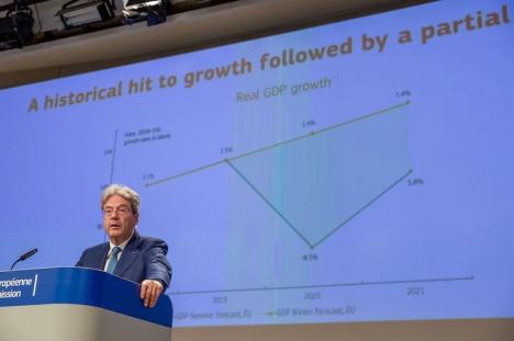 EU:s ekonomikommissionär Paolo Gentiloni på EU-kommissionens presskonferens 7 juli.