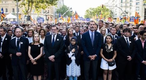 Manifestation efter terrorattentaten i Barcelona och Cambrils i augusti 2017 med dåvarande regeringschefen Mariano Rajoy (PP) och kung Felipe VI i spetsen.