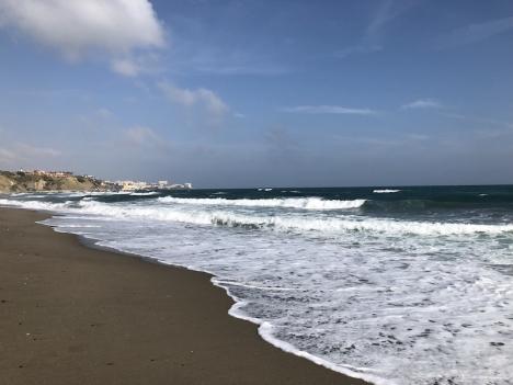 Det kan bli dyrt att bada i Fuengirola om den röda flaggan är hissad.