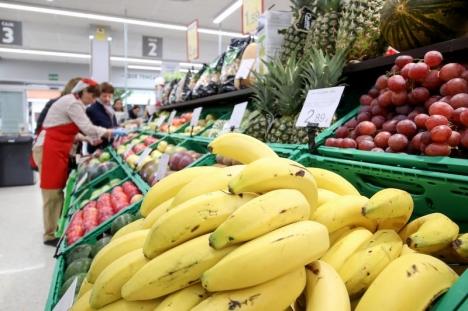 Konsumentprisindex sjönk i juli med 0,6 procent. De varor som konsumerades i högre grad under karantänen, däribland livsmedel och färskprodukter, steg dock med 1,8 procent på årsbasis.