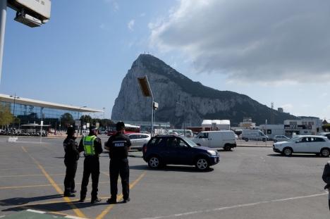 En stängning av gränserna efter övergångsperioden för Brexit skulle bli ett hårt slag för Gibraltars ekonomi, om de inte får till ett avtal innan 31 december.