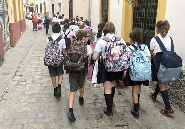 Den andalusiska regionalmyndigheten är fast besluten att barnen ska tillbaka till skolan i september.