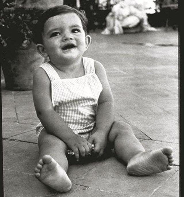 Antonio Banderas har delat ett foto av sig själv som barn, med anledning av sin 60-årsdag. Foto: Privat