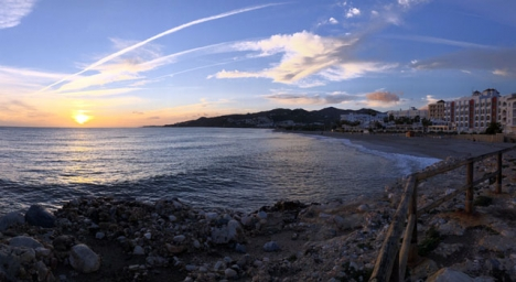 Det blir förbjudet att vistas på Nerjas stränder mellan midnatt och sex på morgonen.