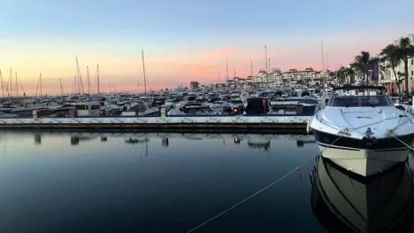 Puerto Banús är en av världens viktigaste lyxhamnar och har uppnått stor internationell berömmelse och prestige genom åren. Den attraherar fortfarande efter ett halvt sekel de största jakterna och har enligt Wikipedia de fjärde dyraste hamnavgifterna i världen.