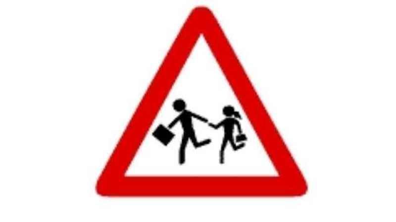 Vissa trafikskyltar bedöms av riksåklagaren vara könsdiskriminerande.