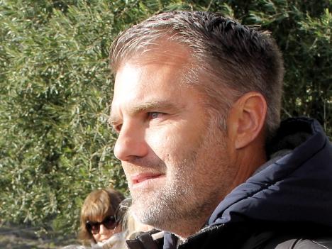 Pelle Lundborg startade  eget företag redan som 16-åring och driver i dagsläget Finca Solmark, där han producerar ekologisk olivolja samt avokado i Carratraca (Málaga).