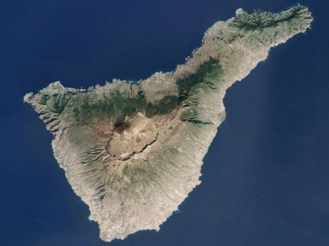 Tenerife är en av de fyra öar som befinner sig i röd situation.