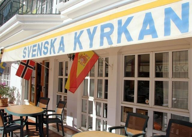 Svenska kyrkan i Fuengirola skjuter upp sin stämma ytterligare, till januari.