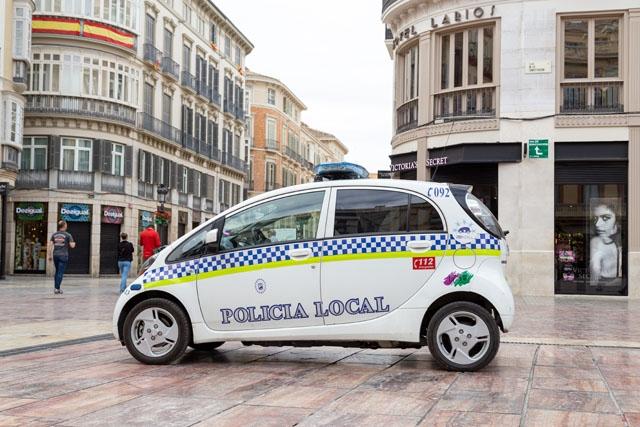Lokalpolisen i Málaga har utfärdat i snitt 4 000 böter i månaden, för bristfälligt bruk av munskydd.