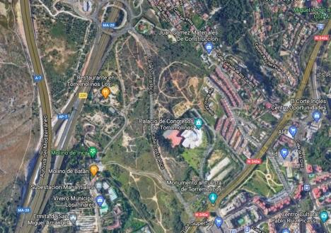 En anmälan mot kommunen för makroprojektet i Torremolinos, norr om kongresspalatset, har fått regionaldomstolen att upphäva stadsplanen från 2019. Foto: Google Maps