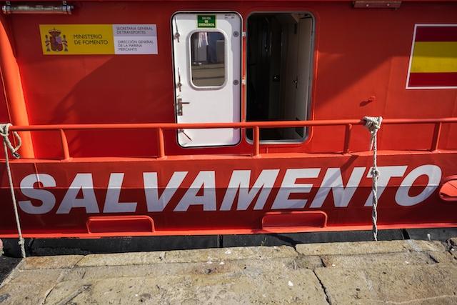 Spanska sjöräddningen tvingas jobba för högtryck.