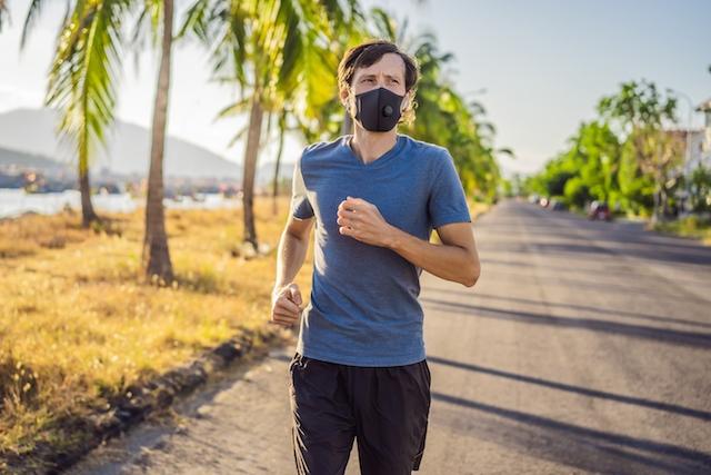 Kravet på munskydd skärps även i hela Andalusien, bland annat vid idrottsutövning bland folk.