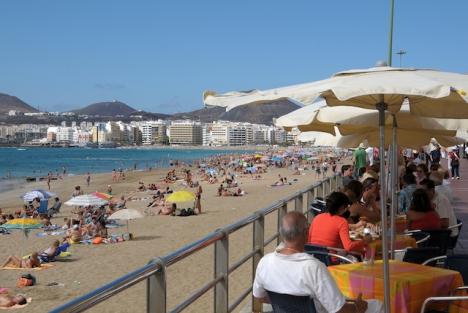 Kanarieöarna återvinner sina två viktigaste marknader precis till inledningen av vintersäsongen.