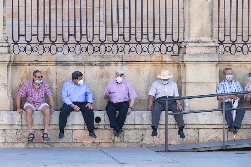 Det nya nödläget i Spanien som trädde i kraft 25 oktober, medför inte en ny lockdown. Dock råder nattligt utegångsförbud och antalet personer som får träffas begränsas till sex.