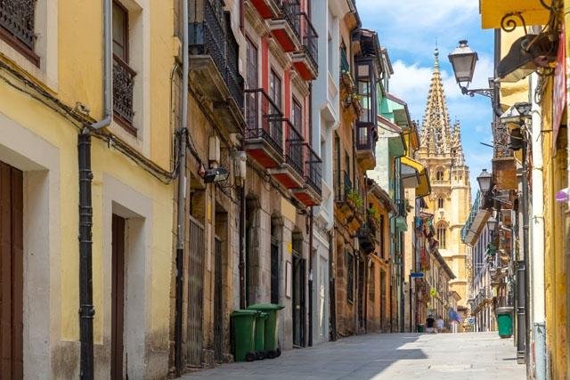 Asturien har en lägre smittfrekvens än riksgenomsnittet, men det har tredubblats på endast en månad. Arkivbild från regionshuvudstaden Oviedo.