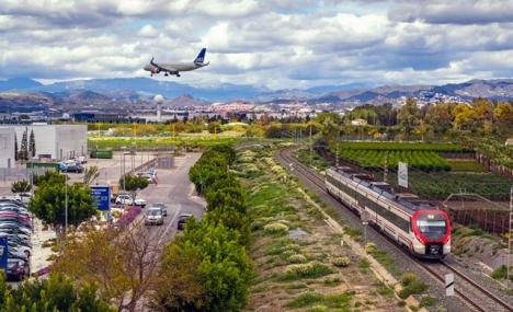 Vare sig man anländer med flyg, tåg eller bil får man endast resa in i Andalusien under isoleringen i särskilda undantagsfall.