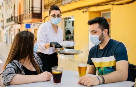 Bar- och restaurangsektorn har drabbats hårt av inskränkta öppettider och även total lock down, på grund av pandemin.