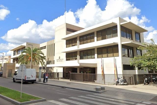 Byggnaden som inrymmer utlänningskontoret i Palma stad. Foto: Google Maps