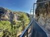 Man bör ej jämföra vandringsleden i La Axarquía med Caminito del Rey, i Ardales. Här är blott några korta sträckor ordentligt inhägnade.