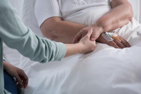 Cancerföreningen Cudeca har allt fler patienter att ta hand om, samtidigt som deras intäkter och frivillignätverk minskat drastiskt på grund av pandemin.