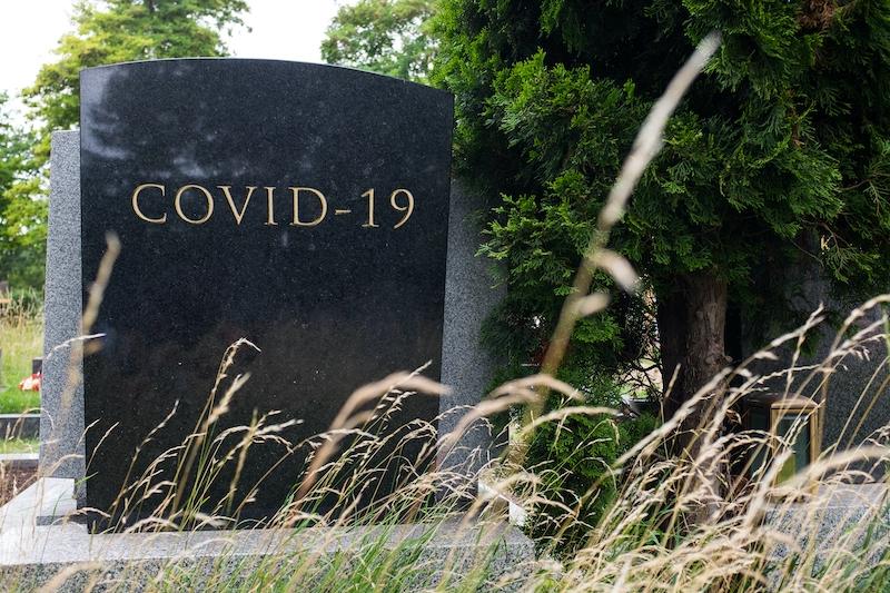 Skillnaden mellan överdödligheten och den officiella Covid-statistiken är fortsatt stor, trots ökat antal tester.