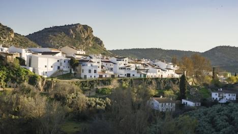 Cuevas el Becerro ligger öster om Ronda.