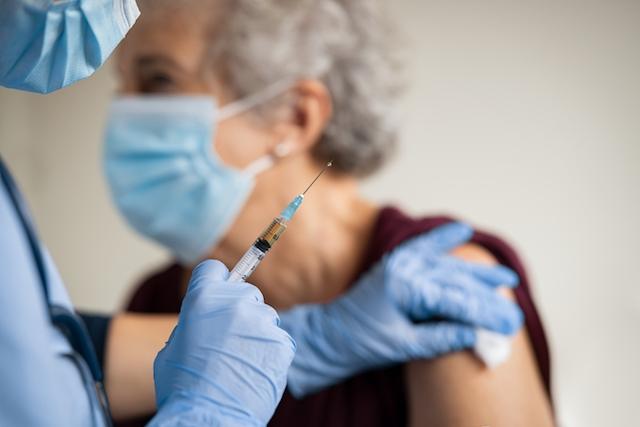 Officiellt är vaccinering mot Covid-19 frivillig. ARKIVBILD