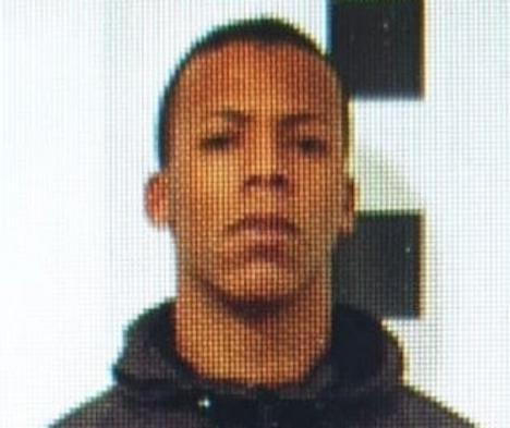 Polisen sprider bilden på den misstänkte gärningsmannen i sociala medier och uppmanar alla som sett honom eller vet var han befinner sig, att ringa 091. Foto: Policía Nacional