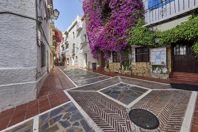 De nuvarande normerna tvingar Marbella att upprätthålla lockdown ytterligare två veckor.