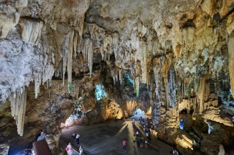 Grottorna i Nerja lider av svåra ekonomiska problem på grund av pandemin.