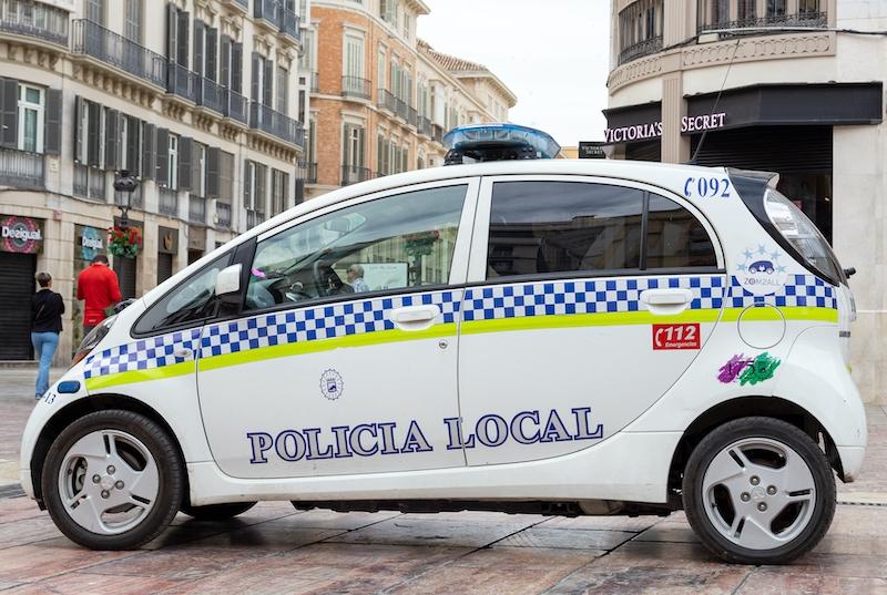 Drygt 600 Málagabor har anmälts av lokalpolisen för att ha brutit perimeterkarantänen utan giltigt skäl.