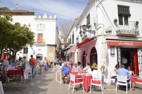 Marbellas restauranger och butiker tillåts öppna igen på lördag.