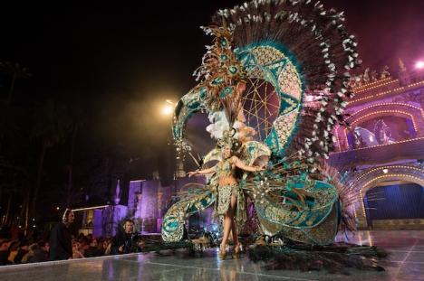 Karnevalsfirandet på öarna är inställt i år, men myndigheterna fruktar privata folksamlingar.